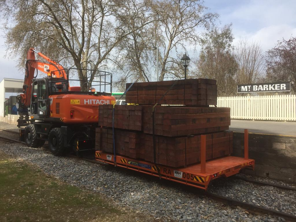 Hitachi Hi-Rail Excavator Transport